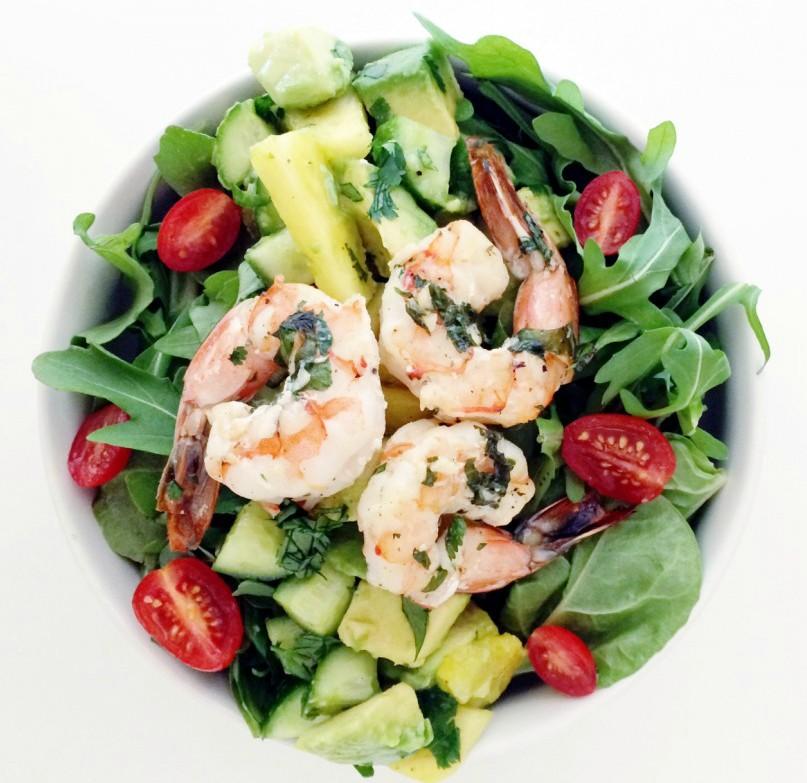 rukkola-krevetki-salat